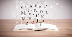 Buch mit Buchstaben